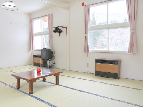 Japanese-Style Superior Room with Shared Bathroom (6-9 people)