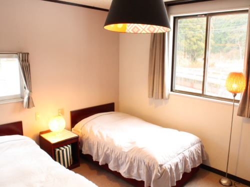 Twin Room with Private Bathroom (1-2people)