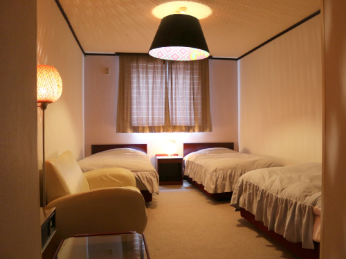 Triple Room with Private Bathroom (2-3people)