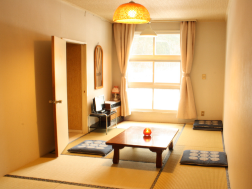 Japanese-Style Room with Private Bathroom (2-4people)