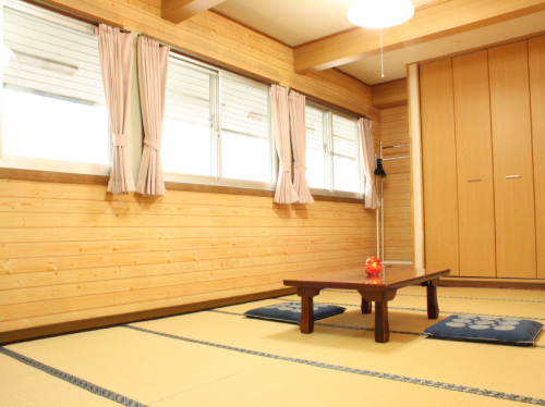 Japanese-Style Family Room with Shared Bathroom (4-6 people)